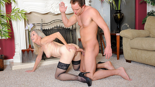 Annabelle Brady mature women video from Anilos