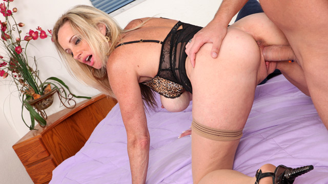 Cassy Torri mature women video from Anilos