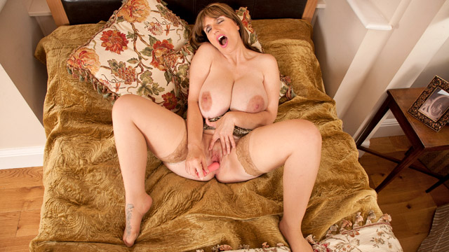 Josephine James mature women video from Anilos