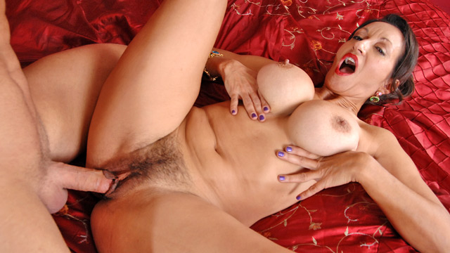 Persia Monir mature women video from Anilos
