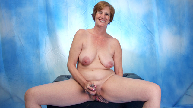 Ray Lynn mature women video from Anilos