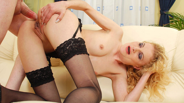 Curly blonde Housewife anal